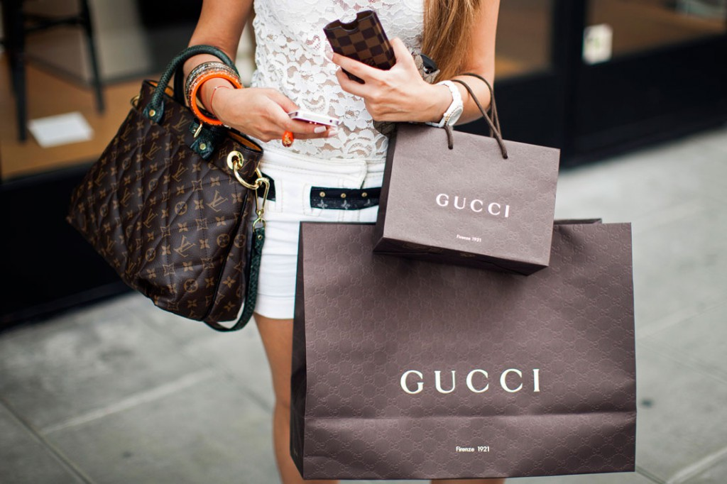 Γιατί η σακούλα αποτελεί ιδανική διαφήμιση για ένα κατάστημα;